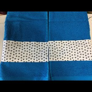 Teal hand towel set with paw prints